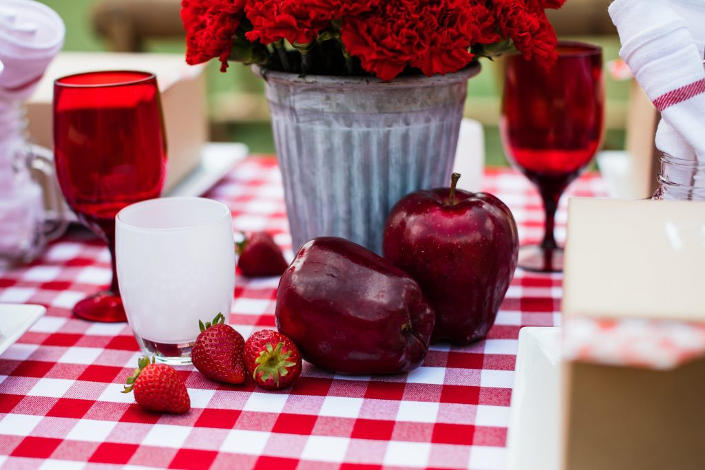 Fruit centerpieces for a summer picnic
